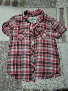 a67eef280c Blusa sexy jeans a cuadros. Rosa con gris y blanco. Botones.. Camisas
