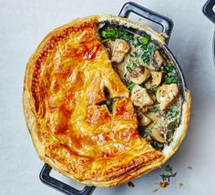 Chicken, kale & mushroom pot pie 2016 - without the pastry top would make a great, low carb winter warmer! Bbc Good Food Recipes, Pie Recipes, Chicken Recipes, Cooking Recipes, Healthy Chicken, Chicken Meals, Recipies, Dinner Recipes, Superfood