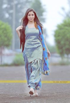 NVS BRAR Photography New Punjabi Suit, Punjabi Dress, Pakistani Dresses, Indian Dresses, Dress Indian Style, Indian Wear, Indian Outfits, Punjabi Fashion, Indian Fashion
