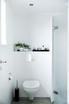 Renovating a cigar box Laundry Room Bathroom, Steam Showers Bathroom, Small Bathroom, Scandinavian Bathroom, Scandinavian Living, Dream Bathrooms, Beautiful Bathrooms, Bathroom Design Inspiration, Hemnes