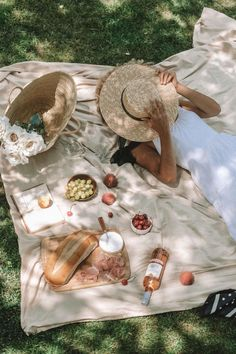 Picnic Date Food, Picnic Time, Picnic Foods, Picnic Photo Shoot, Picnic Pictures, Picnic Photography, French Picnic, Picnic Birthday, 38th Birthday