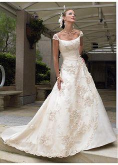 Belle robe de mariage élégant en satin et en tulle bateau jupe ample faite main
