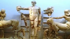 Costa Mediterranea -  Museo Archeologico di Olympia  Al sui interno il visitatore viene introdotto alla storia del grande santuario panellenico dalla prima età del Bronzo al sesto-settimo secolo d.C. La decorazione scultorea (metope e frontoni) del tempio di Zeus, il più importante esempio di stile severo dell'arte greca, la statua di Nike da Paionios e l'Hermes.  Visitabile anche su www.mondoscatto.net sezione Europa - Grecia.  #CostaMeditteranea  #Olympia #Grecia