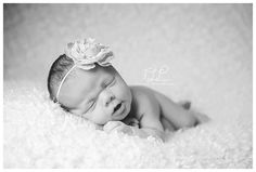 newborn baby girl smiley girl www.tuleafphotography.com #albanynewbornphotographer #tuleafphotography #delmarbabyphotography