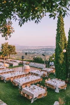 Πανοραμική λήψη από γάμο στο Κτήμα Λαας Summer Wedding, Wedding Reception, Wedding Ideas, Athens, Event Planning, Dolores Park, Lounge, Travel, Events