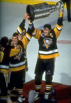 SI's Best Photos of Mario Lemieux Pittsburgh Sports, Pittsburgh Penguins Hockey, Ice Hockey Teams, Pens Hockey, Hockey Stuff, Chris Pronger, Mike Bossy, Mario Lemieux, Hockey World Cup
