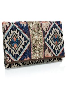 Gotta admit I& falling for t. Gotta admit I& falling for the tribal prints ali… Indigo embroidered Clutch. Gotta admit I& falling for the tribal prints alittle bit - My Bags, Purses And Bags, Ethno Style, Tribal Style, Diy Sac, Look Boho, Shopper, Tribal Prints, Mode Style