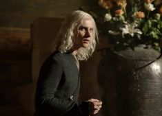 Viserys Targaryen (Harry Lloyd) - Game of Thrones (serie) | male character inspiration | villain | writing | filmmaking