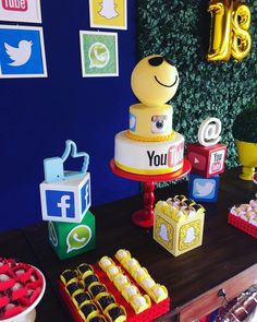 Image may contain: 1 person Teen Girl Parties, Slumber Parties, Youtube Party, Youtube Birthday, Elmo Party, 12th Birthday, Dessert Table, Party Themes, Birthdays