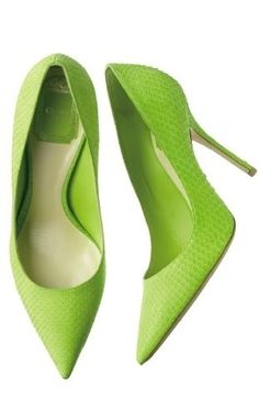 Christian Dior | Oh my, that colour of lime chartreuse/apple green high heel pumps:♥•♥•♥