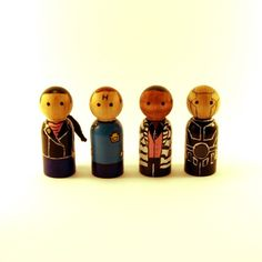 My peg people versions of Lister, Cat, Rimmer and Kryten from 'Red Dwarf'. I love Kryten's head Available at my Etsy shop [link] Red Dwarf peg people Red Dwarf, Classic Comedies, British Comedy, Wooden Pegs, Geek Out, Funny Cute, Geek Stuff, Crafty, Dolls