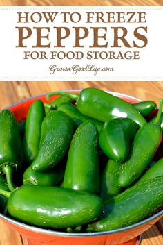 Shade Garden Flowers And Decor Ideas How To Freeze Peppers: Got An Abundance Of Peppers From Your Vegetable Garden? Regardless of whether You Have Hot Chiles Or Sweet Bells, Here Is How To Freeze Peppers To Enjoy All Winter Long. Freezing Vegetables, Canning Vegetables, Frozen Vegetables, Stuffed Banana Peppers, Stuffed Sweet Peppers, Freezing Bell Peppers, How To Freeze Peppers, Hot Pepper Recipes, Canning Food Preservation