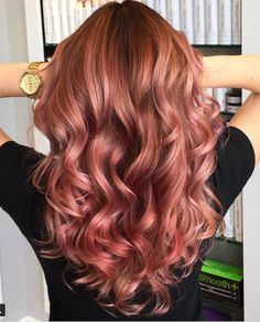 20 Rose Gold Hair Ideas on Pinterest!