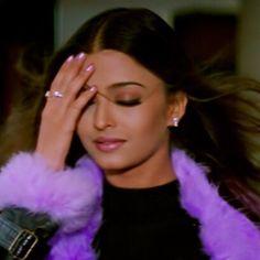 vintage bollywood black and white . Bollywood Outfits, Bollywood Fashion, Bollywood Girls, Actress Aishwarya Rai, Bollywood Actress, Indian Aesthetic, Aesthetic Vintage, Desi Models, Vintage Bollywood