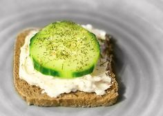 THIS is the absolute BEST cucumber sandwiches. Easy, and delicious! Make sure you mix the cc and Italian seasoning the night before and let it set overnight, so the flavors mesh. Tee Sandwiches, Cucumber Sandwiches, Quick Snacks, Healthy Snacks, Healthy Eating, Appetizer Recipes, Appetizers, Snack Recipes, Great Recipes
