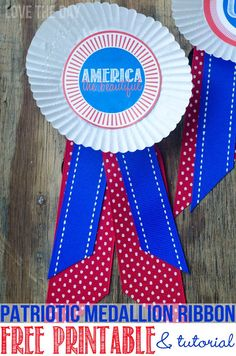 Perfect Of July Crafts For Kids! Patriotic Paper chains for decorating your mantel, hanging from a dessert table or serving as a party backdrop! Fourth Of July Crafts For Kids, 4th Of July Games, 4th Of July Party, Fun Crafts For Kids, Craft Activities For Kids, July 4th, Toddler Crafts, Printable Designs, Free Printables