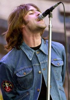 Liam Gallagher Wrangler Trucker Skinny Denim Jacket Rock'n'Roll Indie Urban in Clothes, Shoes & Accessories, Men's Clothing, Coats & Jackets Liam Oasis, Hard Rock, Rock And Roll, Oasis Band, Liam Gallagher Oasis, Liam And Noel, Jazz, Indie, Grunge