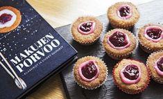 Runebergintortuista voi tehdä myös pienempiä torttusia. Ruokatoimittaja Petra Tuominen kertoo, miksi se kannattaa. Baking Recipes, Cake Recipes, Sweet Bakery, Sweet And Spicy, Mini Cupcakes, Food Photo, Sweet Tooth, Cheesecake, Deserts
