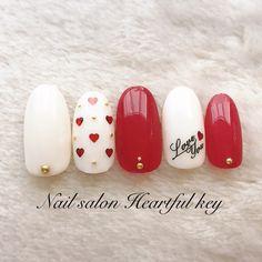 such a pretty romantic nails design Love Nails, Pink Nails, Pretty Nails, Silver Nail Designs, Cool Nail Designs, Korea Nail Art, Romantic Nails, Valentine Nail Art, Japanese Nails