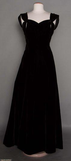 Molyneux Evening Gown, Paris, 1940s, Augusta Auctions, November 12, 2014, Lot 305