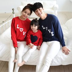 New arrival 2015 family matching clothes Mom/Dad/Baby Love Long-Sleeve Cotton T shirts spring/autumn Family Clothing sets