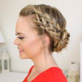 Website full of hair-styling ideas, including a lot of braids and video tutorials