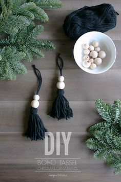 DIY boho christmas ornaments - DIY Weihnachten,DIY boho christmas ornaments As I was putting up my Christmas tree this year I felt like it needed some type of black ornament to balance out all of t. Bohemian Christmas, Noel Christmas, Diy Christmas Ornaments, Christmas 2019, Black Christmas, Minimalist Christmas Tree, Christmas Advent Ideas, Bead Garland Christmas Tree, Natural Christmas Tree