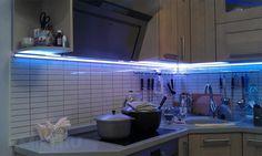 Подсветка под шкафы на кухне из светодиодной ленты