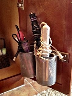 Life, Made Interesting.: Under-the-Sink Desk Organizers?