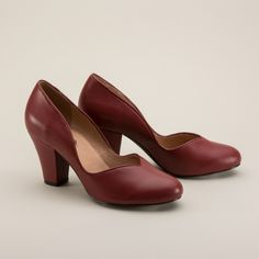 Marilyn 1940s Pumps by Royal Vintage (Red)