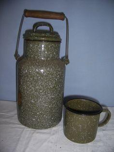 Emaille 1 Krug mit Deckel & 1 Topf, Email grün, Beerenkrug Henkelkrug Topf Tasse