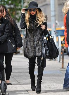 She's fabulous. I love her! oh Rachel Zoe, if I could only have your clothes!