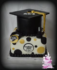 Black and gold Graduation Cake