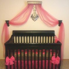 baby nursery~pink, black, no cheetah, but  I like the curtain. I think I shall do this!