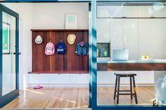 Интерьер прихожей (коридора) 2015: модные новинки в дизайне квартир на фото