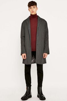 Casual Friday! http://www.roehampton-online.com/?ref=4231900 fashion #mensfashion #workwear #work #office #style #stylish #business #menswear #mens #casual #coat #turtleneck #skinny #jeans #boots #leather #black #red #grey #winter