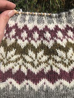 Norwegian Knitting, Fair Isle Knitting Patterns, Sweater Making, Needles Sizes, Textile Art, Needlework, Knitted Hats, Swatch, Knit Crochet