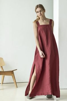 This maxi red dress is cut from airy natural linen that has an elegant design so is perfect for summer evening gatherings or walks on the beach. The dress Stylish Dresses, Simple Dresses, Evening Dresses, Summer Dresses, Elegante Designs, Black Linen, Linen Dresses, Basket Bag, Summer Evening