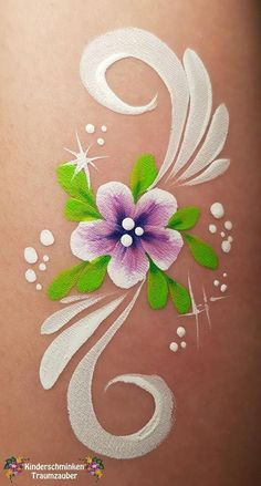 double dip flower trible dip flower blume - Make-up - Hautpflege Produkte Face Painting Flowers, Face Painting Tips, Girl Face Painting, Face Painting Tutorials, Belly Painting, Face Painting Designs, Painting For Kids, Paint Designs, Simple Face Painting