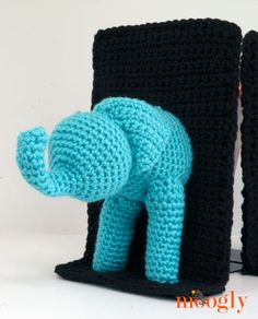 Crochet elephant bookends - free pattern and how to put it all together! Thank you!