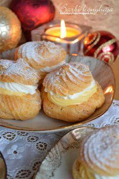Barbi konyhája: Képviselőfánk Hungarian Desserts, Hungarian Recipes, Hungarian Food, Muffin Recipes, Cake Recipes, Dessert Recipes, Blondie Dessert, Ital Food, Sweet Cookies