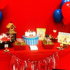 This idea is to get a red wallpaper and red table cover and then throw in the rest of the items Red Party, Red Wallpaper, White Decor, Table Covers, Little Red, Color Themes, Ava, Balloons, Rest