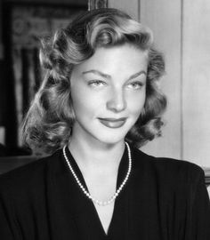 Lauren Bacall was an American actress known for her distinctive voice and sultry looks. She was named the female star of classic Hollywood cine. Old Hollywood Actresses, Old Hollywood Stars, Golden Age Of Hollywood, Classic Hollywood, Actors & Actresses, Hollywood Divas, Classic Actresses, Lauren Bacall, Humphrey Bogart