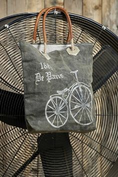 Paris Streeter (Code no. 2885) #paris #bicycle #vintage #reuse #reduce #recycle #upcycle #repurpose #handbag #fashion