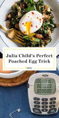 Julia Child's Simple Trick for Perfect Poached Eggs Every Time — Tips from The Kitchn Best Poached Eggs, Perfect Poached Eggs, Poached Egg Recipes, Cooking Poached Eggs, Perfect Eggs, Julia Childs, Food Network Recipes, Cooking Recipes, Healthy Recipes