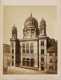 Anonym, SYNAGOGE, BERLIN, Um 1870, Auktion 925 Photographie, Lot 1 Jewish Synagogue, German Architecture, Nation State, World Cities, Urban Planning, Old World, Night Life, Taj Mahal, Empire