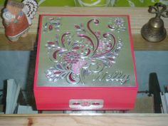 ALHAJERO NELLY (terminado) Pewter Art, Pewter Metal, Tin Foil Art, Aluminum Can Crafts, Boxes And Bows, Metal Embossing, Copper Art, Diy Box, Mixed Media Art