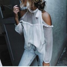 summer outfits White Cold Shoulder Blouse + Bleached Skinny Jeans cute outfits for girls 2017 Mode Outfits, New Outfits, Fall Outfits, Summer Outfits, Fashion Outfits, Casual Outfits, Jeans Fashion, New Outfit Ideas, Party Outfit Summer