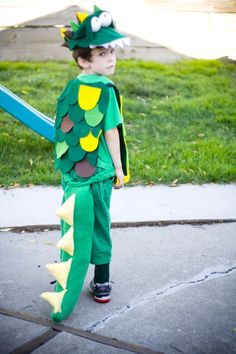 "Make a Crocodile Costume: ""The Clock-o-Dile"" » Pulling Curls"