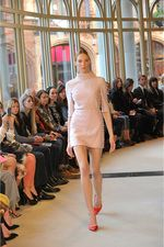 Emilia Wickstead Fall 2013 Ready-to-Wear Collection Photos - Vogue Plaid Fashion, Love Fashion, Runway Fashion, Fashion Show, London Fashion, British Fashion, Fashion Week 2015, Fashion Weeks, Emilia Wickstead